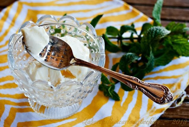 Gelato cremoso al limone in 5 minuti