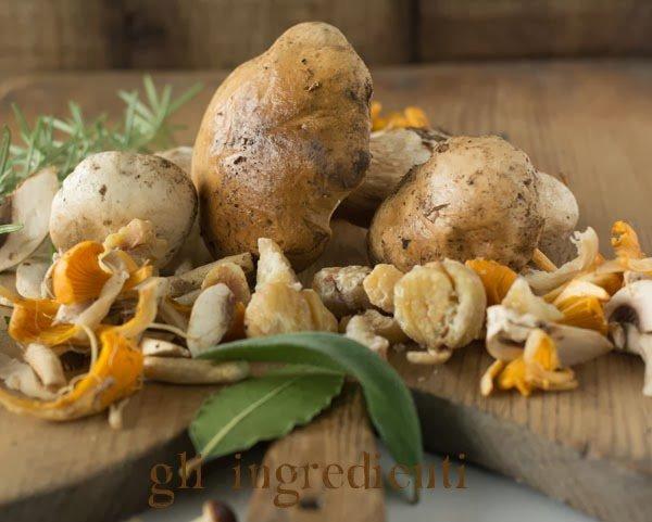Minestra di funghi e castagne