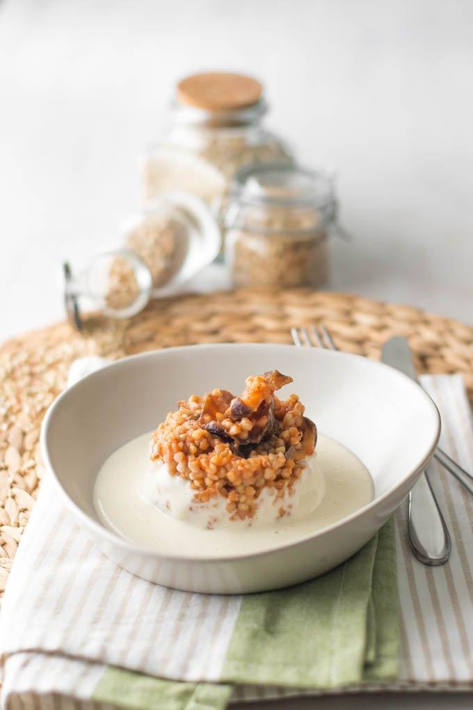 Grano saraceno con caponatina di melanzane e fonduta al parmigiano – gluten free